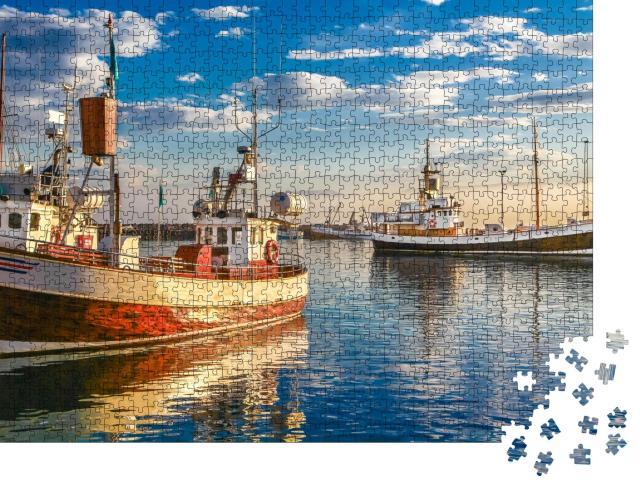"""Puzzle 1000 Teile """"Fischerboote im Hafen bei Sonnenuntergang, Stadt Husavik, Island"""""""