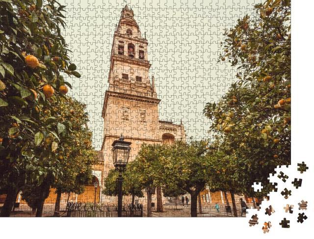 """Puzzle 1000 Teile """"UNESCO-Kulturerbe: Orangenbäume am Glockenturm der Mezquita von Córdoba"""""""