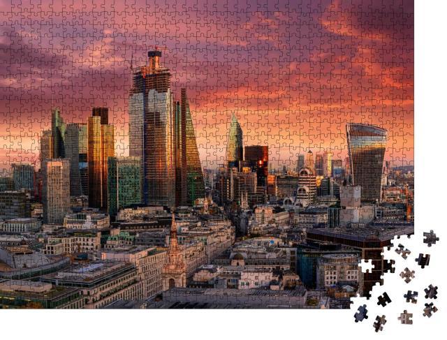 """Puzzle 1000 Teile """"Feurier Sonnenuntergang über dem Finanzdistrikt von London"""""""