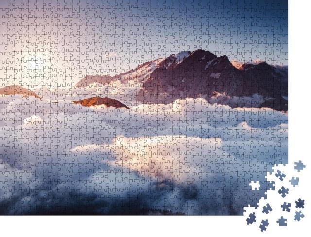 "Puzzle 1000 Teile ""Dolomiten in dichtem Nebel: Gletscher Marmolada in Südtirol, Italien"""