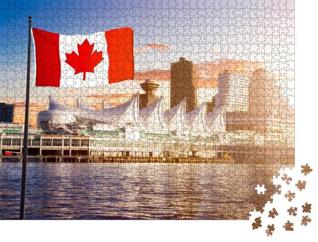 """Puzzle 1000 Teile """"Vancouver vom Wasser aus gesehen bei Sonnenuntergang, kanadische Nationalflagge"""""""