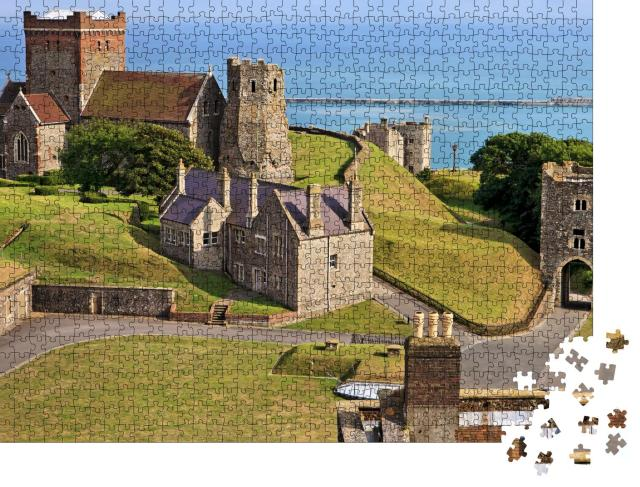 """Puzzle 1000 Teile """"Panoramablick auf die Kirche St. Mary in Castro in England"""""""