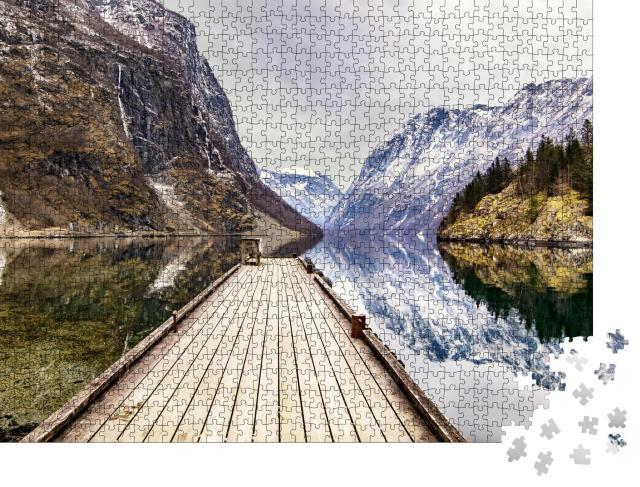 """Puzzle 1000 Teile """"Blick von Gudvangen Dorf zum Fjord, Norwegen"""""""