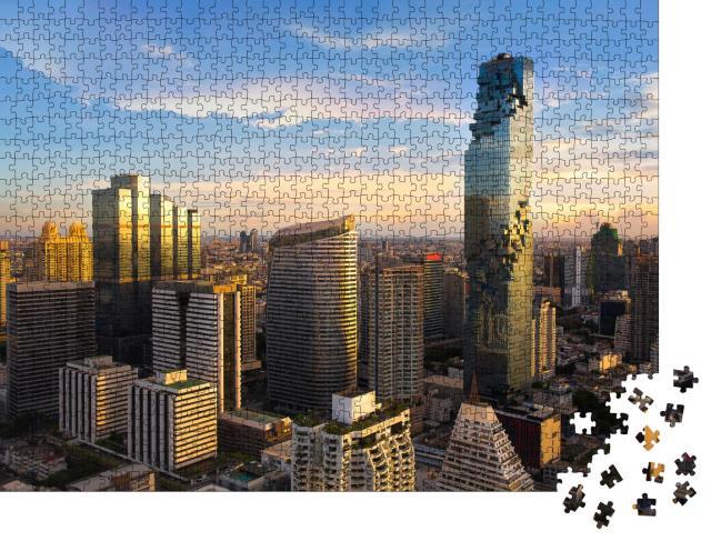 """Puzzle 1000 Teile """"Bangkok Cityscape: Geschäftsviertel in der Abenddämmerung"""""""