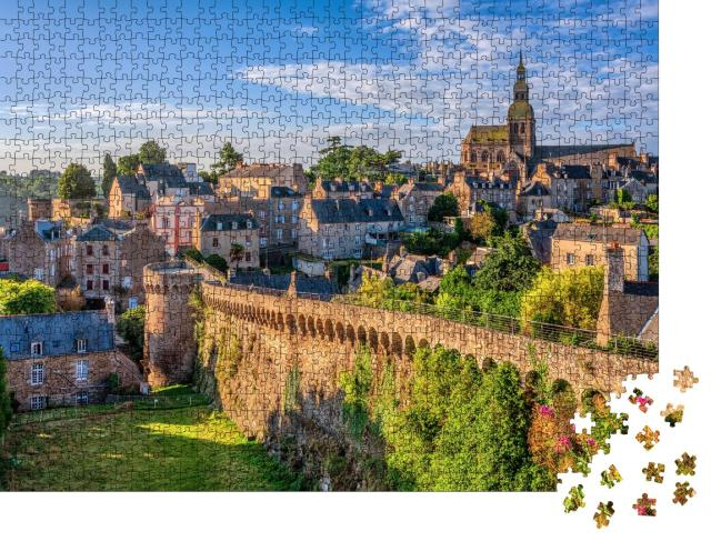"""Puzzle 1000 Teile """"Historische ummauerte Altstadt von Dinan, Bretagne, Frankreich"""""""