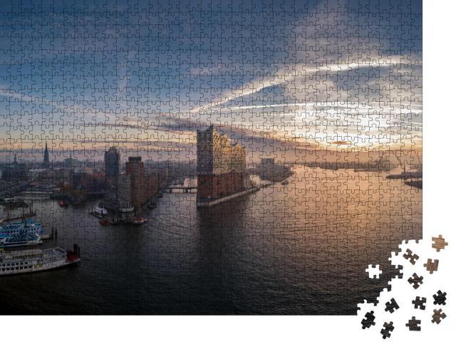 """Puzzle 1000 Teile """"Panorama Luftaufnahme vom Hamburger Hafen mit schönem Sonnenaufgang"""""""