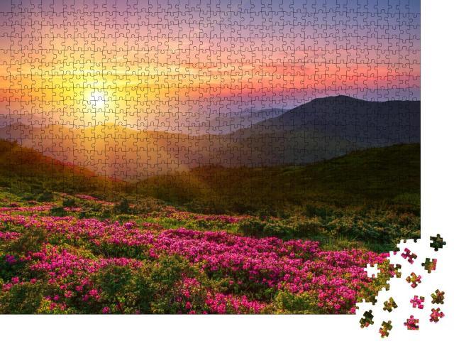 """Puzzle 1000 Teile """"Wunderschöner Sonnenuntergang über den Bergen"""""""