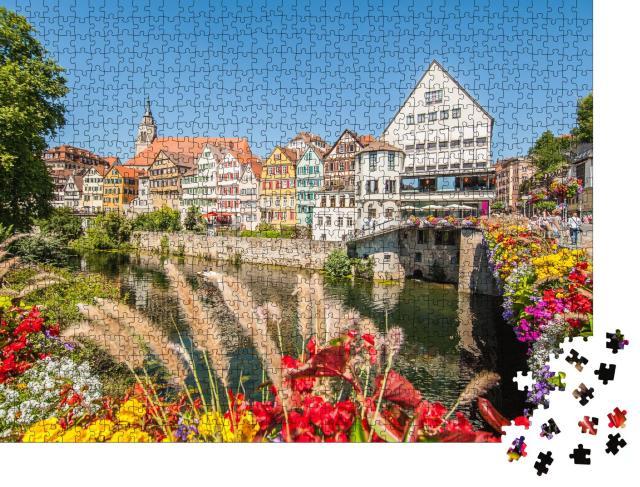 """Puzzle 1000 Teile """"Altstadt von Tübingen am Neckarufer, Deutschland"""""""