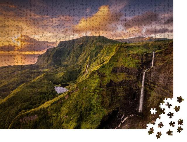 """Puzzle 1000 Teile """"Wasserfall auf der Insel Flores, Azoren, Portugal"""""""
