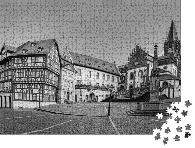 """Puzzle 1000 Teile """"Stiftsbasilika in Aschaffenburg, Deutschland, schwarz-weiß"""""""
