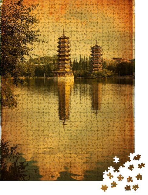 """Puzzle 1000 Teile """"Schöne Aussicht auf die Zwillingspagoden in Guilin, China"""""""