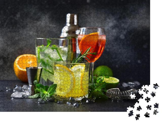 """Puzzle 1000 Teile """"Aperol Spritz, Mojito und Lemon Cooler mit Rosmarin"""""""