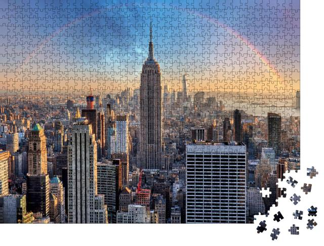 """Puzzle 1000 Teile """"New York City Skyline mit städtischen Wolkenkratzern und Regenbogen"""""""