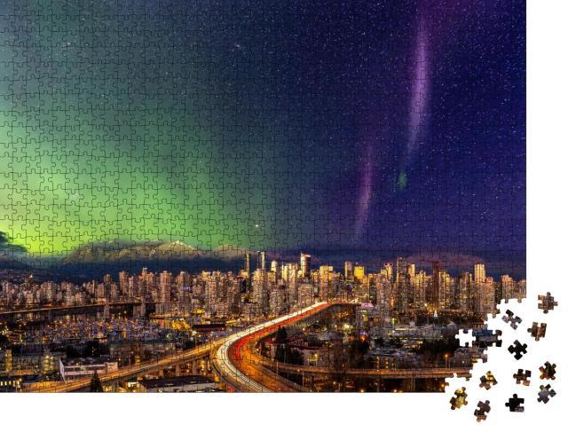 """Puzzle 1000 Teile """"Panoramablick: Stadtzentrum von Vancouver mit Polarlicht, British Columbia, Kanada"""""""