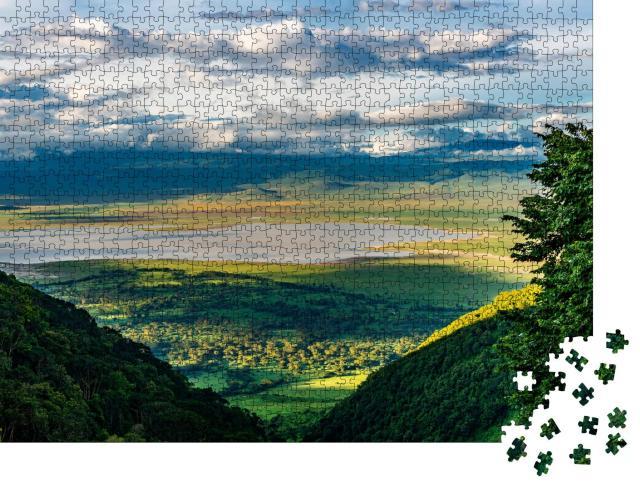 """Puzzle 1000 Teile """"Blick auf den Boden des Ngorongoro-Kraters"""""""