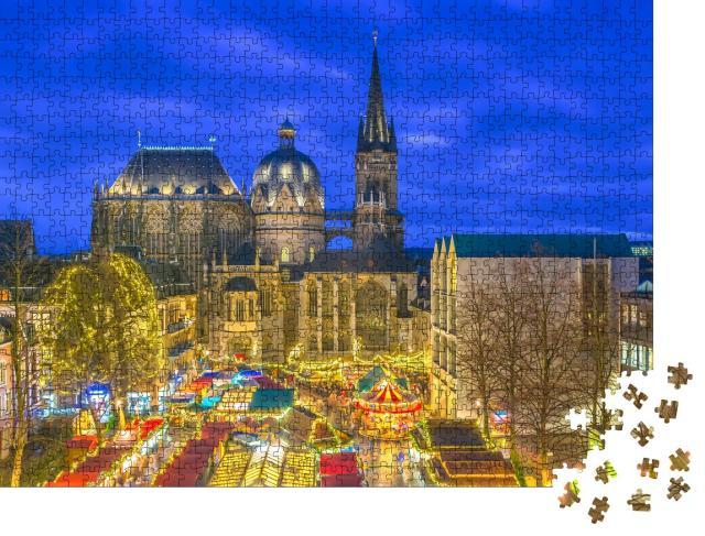 """Puzzle 1000 Teile """"Weihnachtsmarkt vor dem Aachener Dom, Deutschland"""""""