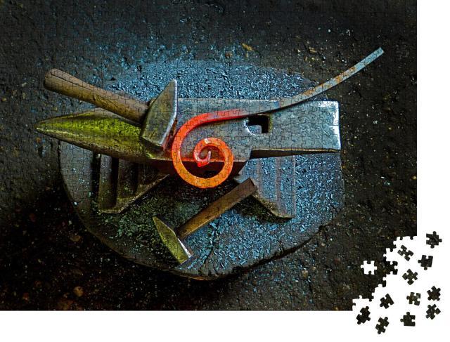 """Puzzle 1000 Teile """"Handwerkszeug in einer Schmiede"""""""