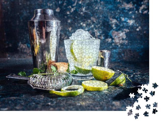 """Puzzle 1000 Teile """"Erfrischungsgetränk mit Wodka und Limette: gefrorenes Glas"""""""